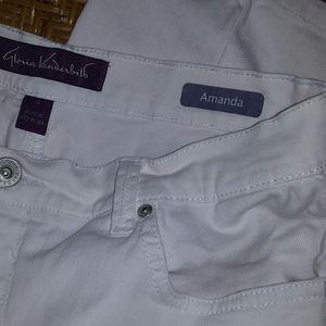 Gloria Vanderbilt ladies white pants